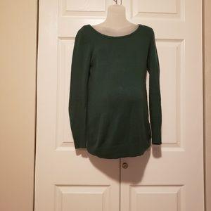 Motherhood green sweater